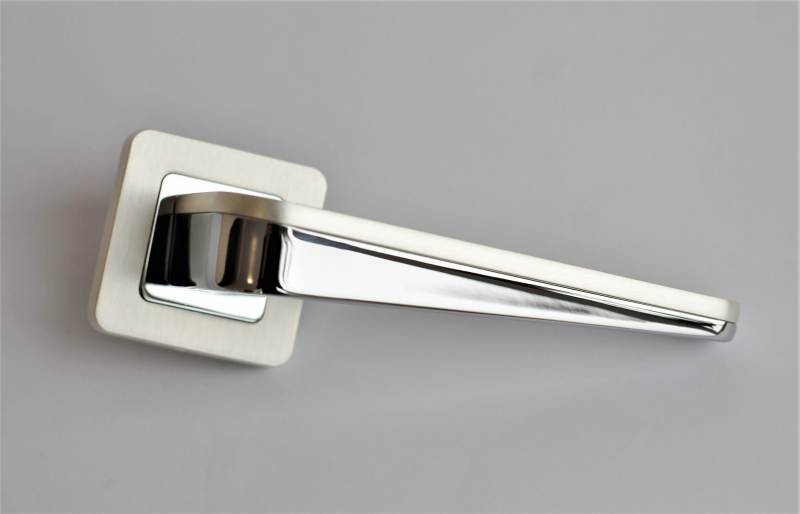 Ручка на розетке Metal-Bud DUO